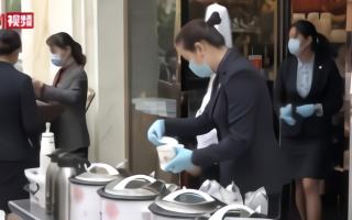 武汉五星级酒店路边摆摊卖早餐  品种丰富价格亲民