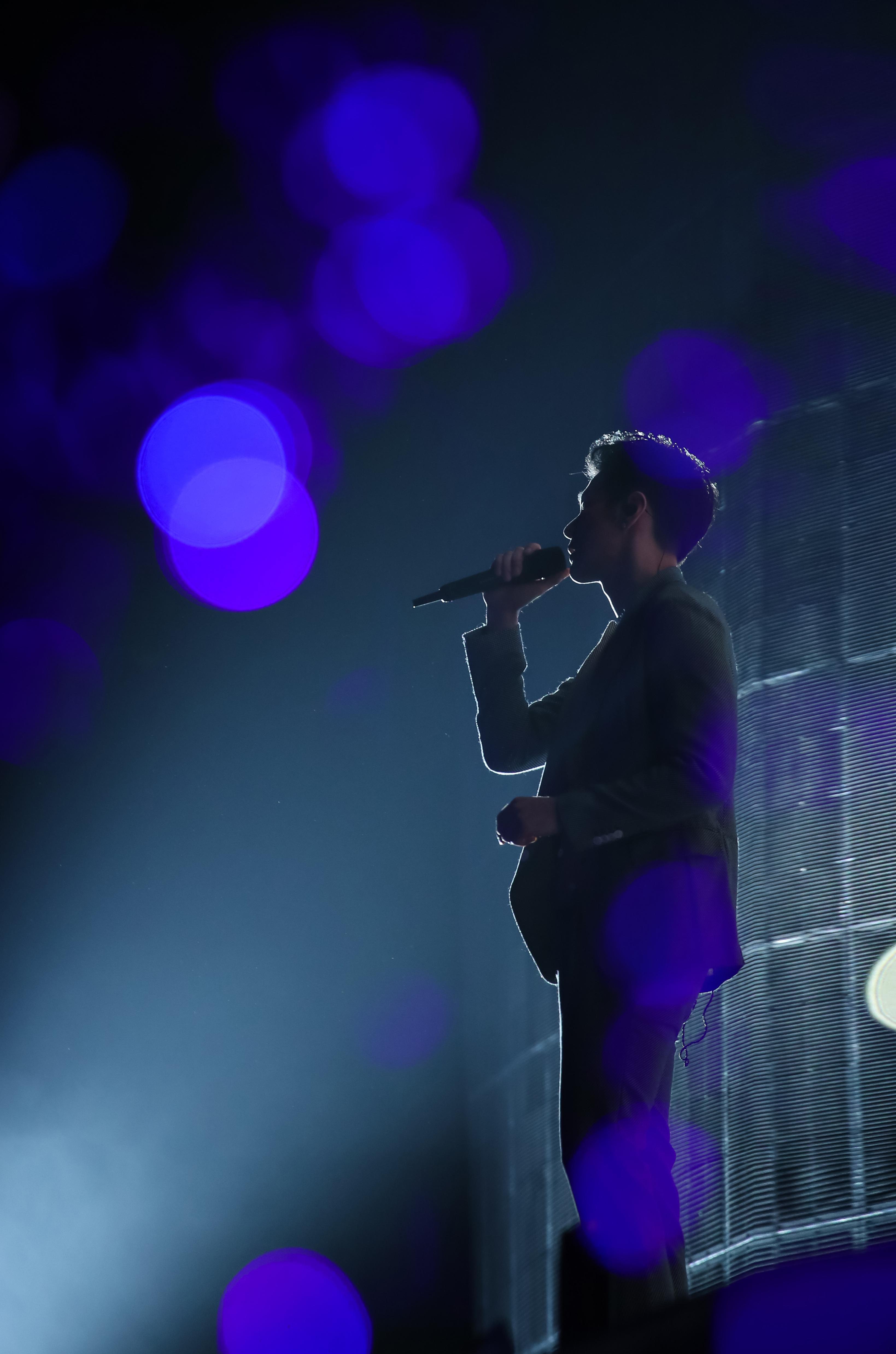 迅雷论坛,李荣浩天津演唱会惊喜连连,年少有为迎来农历新年前最后一站