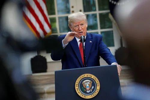 3月29日,在美国华盛顿白宫,美国总统特朗普在记者会上讲话。新华社/路透