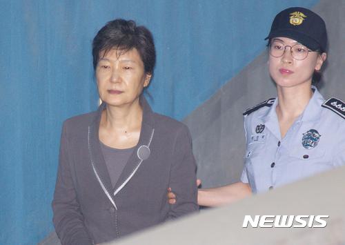 三年了,头一次!朴槿惠狱中突然提出这个请求