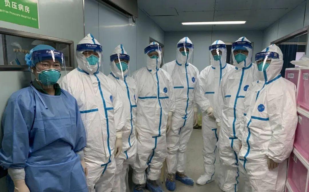 專家李六億:不明原因傳染病剛出現時,應以最高