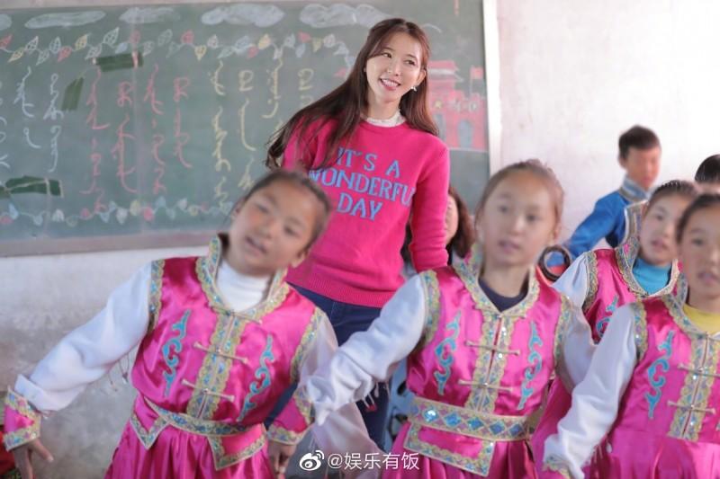 """【微笑炮兵社区app】_""""林志玲也唱过"""",欧阳娜娜、张韶涵之后,有人瞄准了林志玲"""