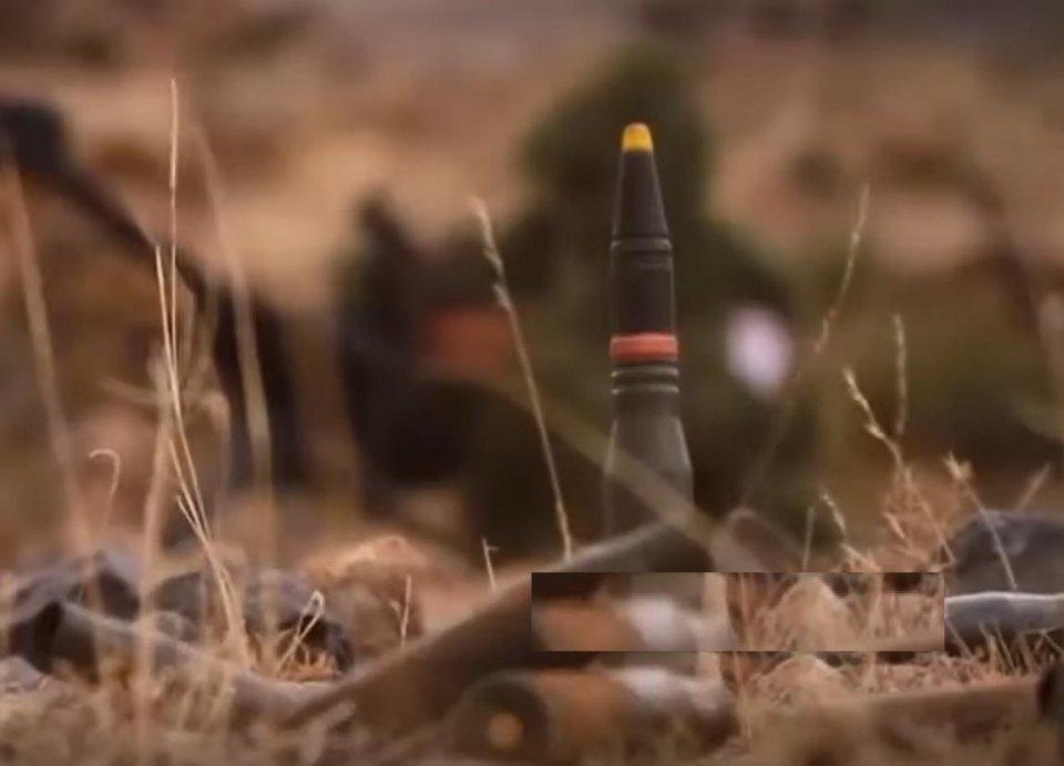 狙击枪啥的弱爆了!拖鞋军展示23mm狙击炮,用摩托车弹簧改装