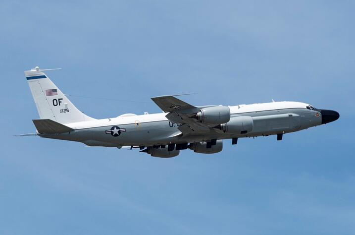美国空军RC-135W电子侦察机资料图