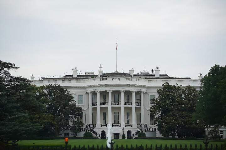 """【赢咖3股】_白宫称正制定""""回到美洲""""计划,奖励美企从亚洲撤回生产设施"""