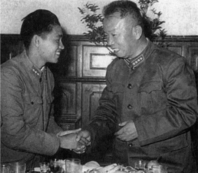 ▲国防部副部长大将王树声接见陈代富