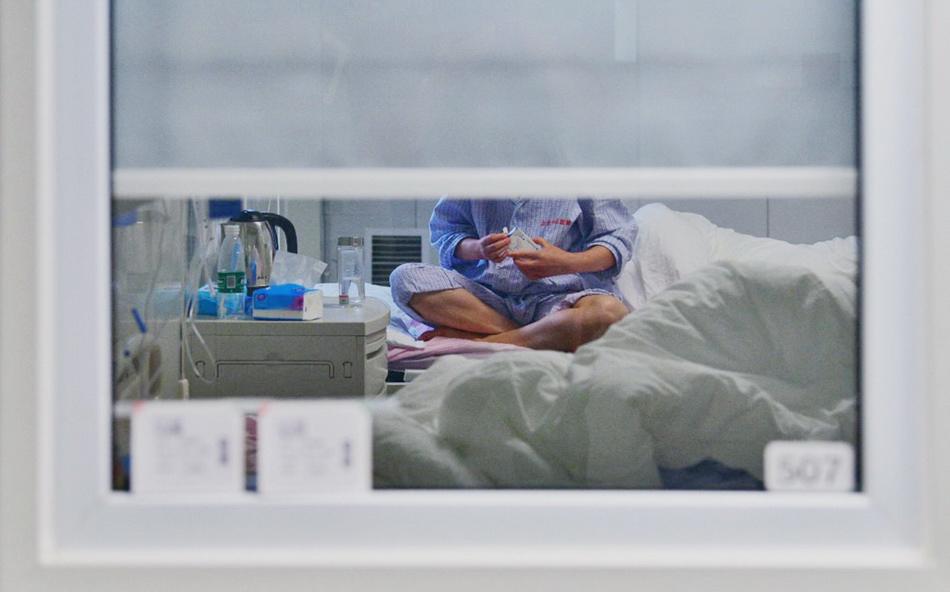 6月16日,北京地坛医院隔离病房内。人民视觉 图