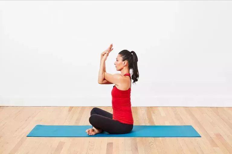 天冷练瑜伽,除了拜日,瑜伽还可以怎么热身? 生活头条 第5张