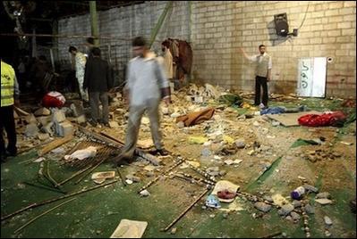 2008年设拉子清真寺爆炸现场。
