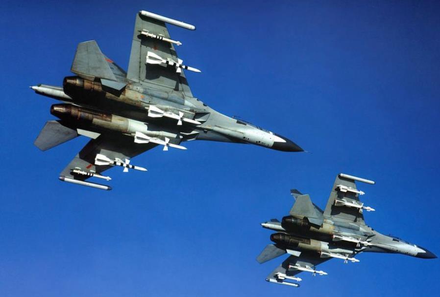 """用导弹监控""""越线""""解放军战机,请问台军有胆量开炮吗?"""