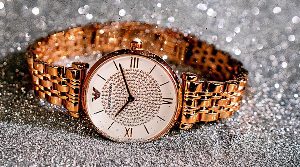 超火爆的阿玛尼满天星手表,在寺库可以买到了!