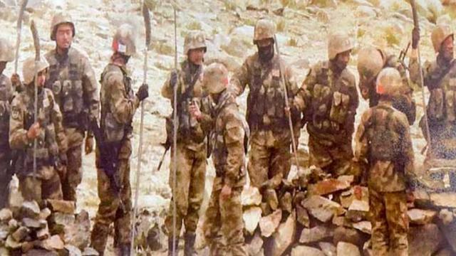 """美媒:中国用""""关公刀""""来武装边防战士,印度能拿什么应对?"""