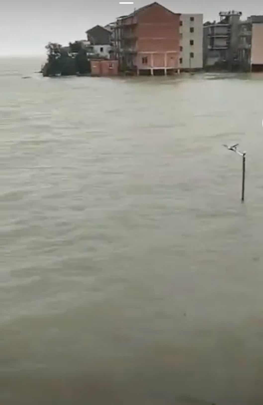 【迪士尼彩乐注册】_江西鄱阳双港镇圩堤决口,赵家湾村被困正在救援
