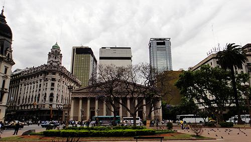 1908年兴建的科隆大剧院,见证了当时布宜诺斯艾利斯的繁荣。