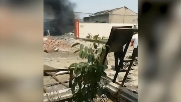 长葛发布:一废旧厂房爆燃,致4死1伤