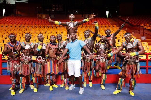长隆大马戏幕后:肯尼亚编舞懂粤语,藏身观众席看反应找灵感