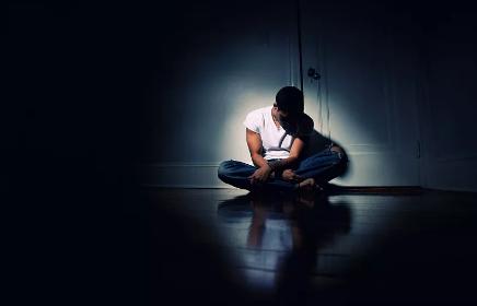 """【彩乐园2app进入12dsncom】_父母离异感到被""""背叛"""" 17岁少年挥刀刺向父亲"""
