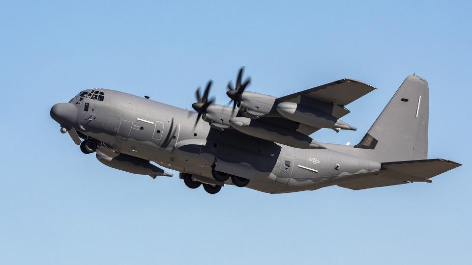 地主家也没余粮 美军轰炸机数量不足要把运输机改成武库机?