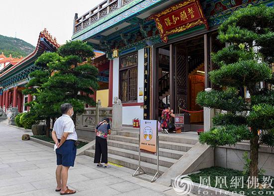 地藏殿外(图片来源:凤凰网佛教 摄影:珠海普陀寺)