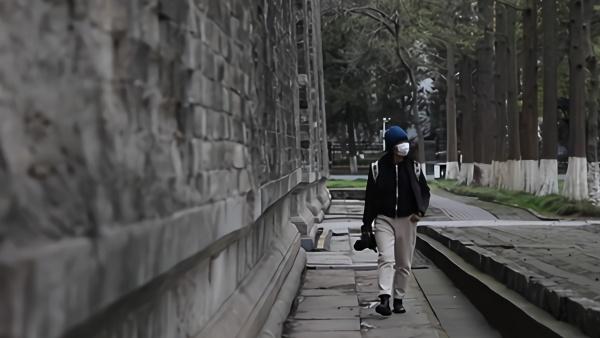 她用12万张照片记录南京明城墙的八年