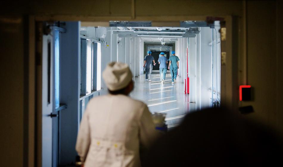 6月16日,北京地坛医院,这是今年地坛医院刚刚建设好的临时病房。人民视觉 图