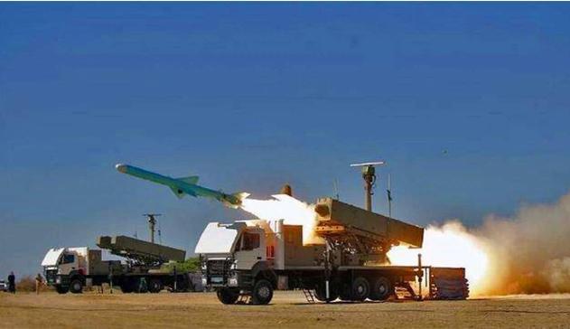 伊朗制造航母?媒体:没错!拿来当靶子,专门演练导弹打航母