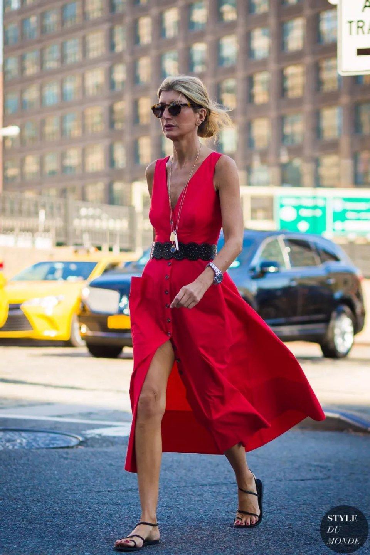 今夏这条裙子正流行!娱乐圈竟然都抢着穿?美到极致~