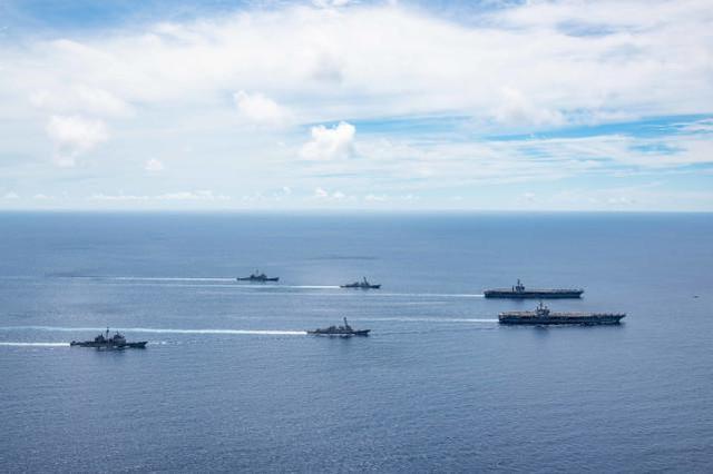 【黑链接】_美军双航母再次集结南海进行演训,挑衅味十足