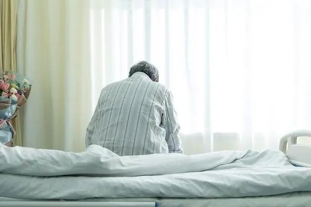 随着中国步入老年社会,养老问题越来越受到关注。资料图片,视觉中国供图