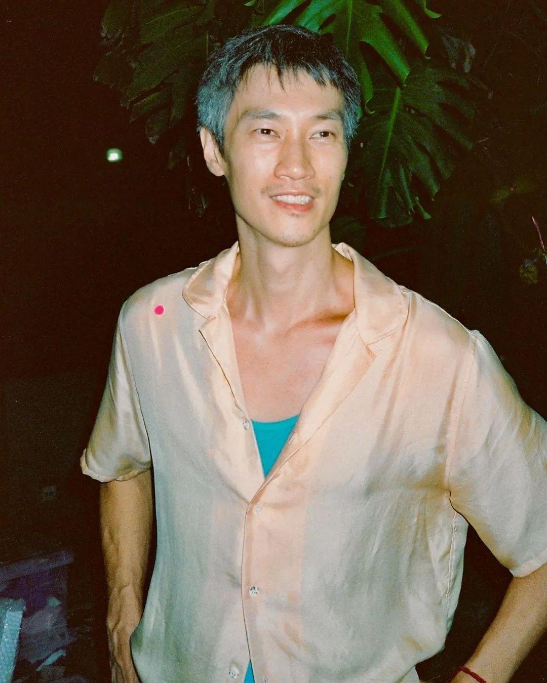 华裔男模创立个人时装品牌,发扬我国非物质文化遗产