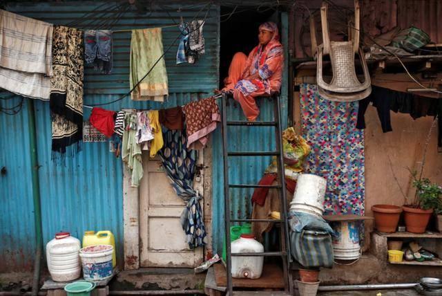 【千氪】_疫情下的印度贫民窟:失业、借债与抱团自救