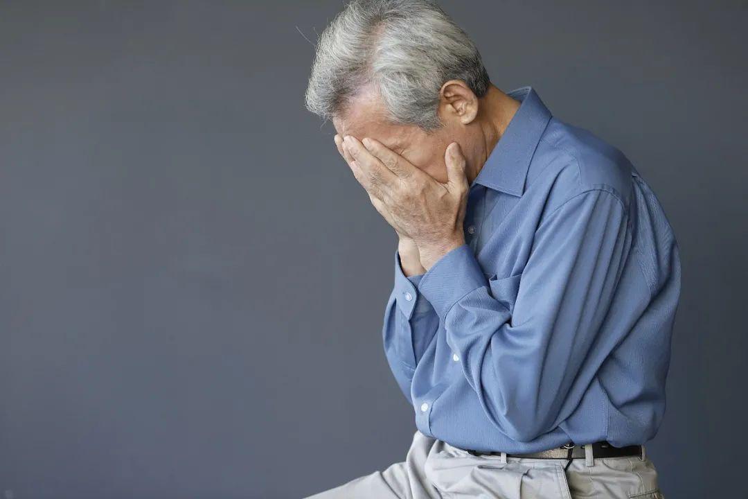 【ens】_浙江101岁老人和保姆结婚,不到一年坚决要离:我从没被爱过