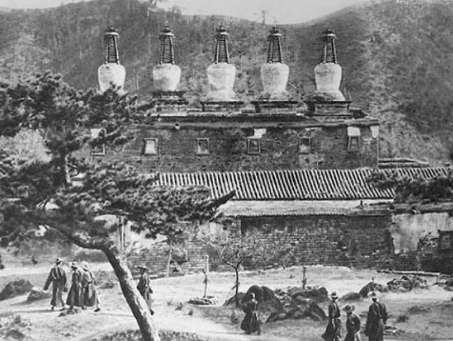 康熙皇帝为什么要建造避暑山庄,它有什么作用(图5)