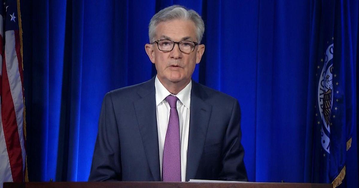 美联储主席鲍威尔7月29日表示,美国经济前景很大程度上取决于新冠疫情发展 视频截图