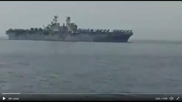 """伊朗海军近距侦察美国两栖巨舰,双方都很""""乖巧"""""""