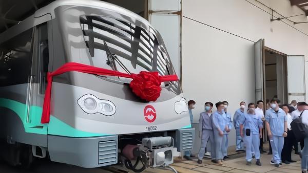 上海地铁列车规模迈入6000辆,居全国前列