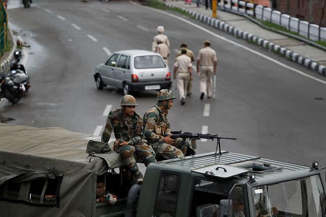 印巴在克什米尔地区激烈交火 印度特种兵首战惨败