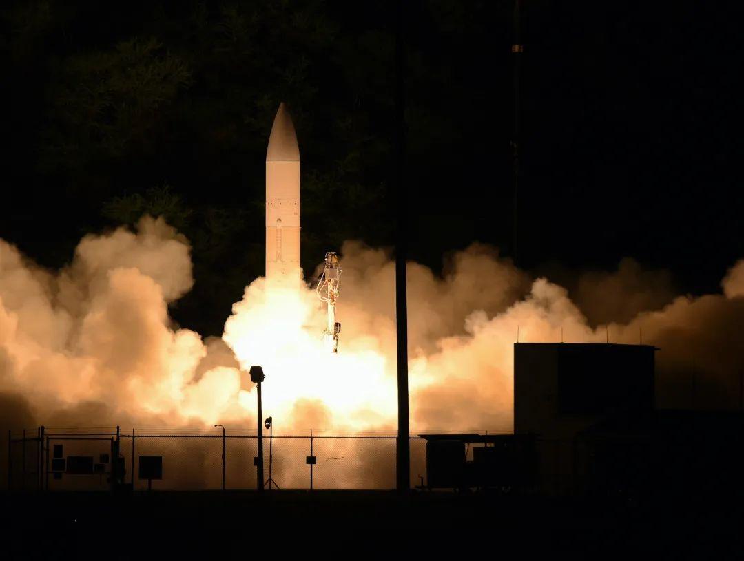 【adept】_为了拍特朗普马屁,美国海军接到了一个不可能完成的任务