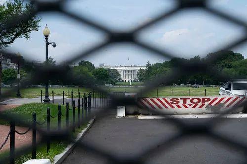 美国限制中国留学人员签证 美国专家:损人不利己