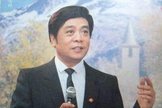 """赵忠祥78岁生日当天去世:""""感谢观众允许我像一个运动员一样打满了全场!"""""""