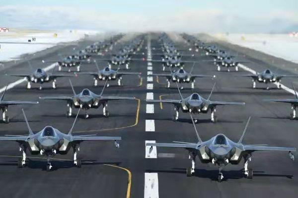 隐形战机 美军52架隐形战机升空,大多中东打过仗,为第三次世界大战做准备?