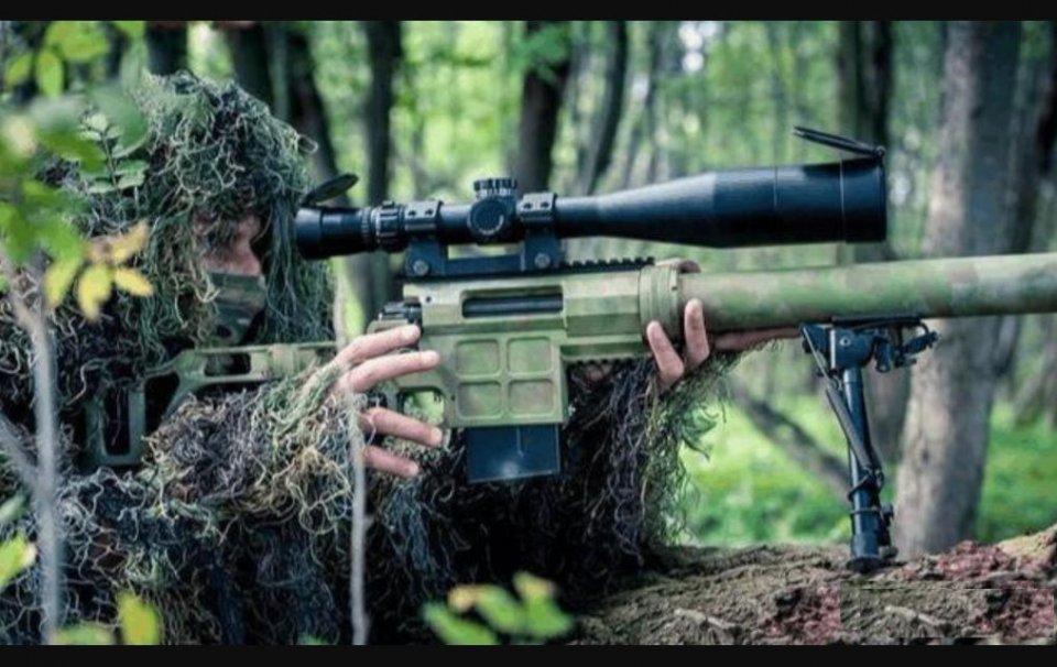 为何军队狙击手对胸口开枪,命中就行,而警察则追求一枪爆头
