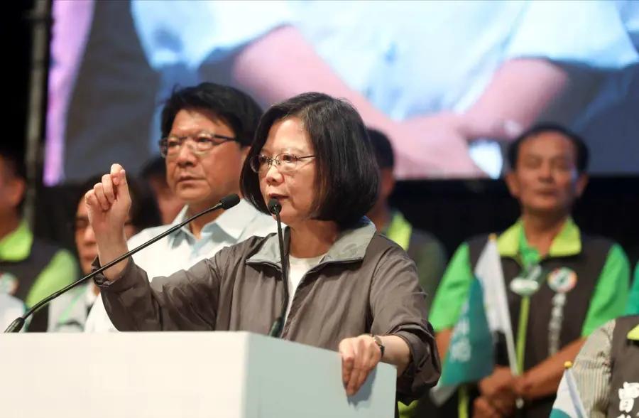 """""""一国一制""""机会来了?专家:台湾目前就在崩溃边缘不断试探"""