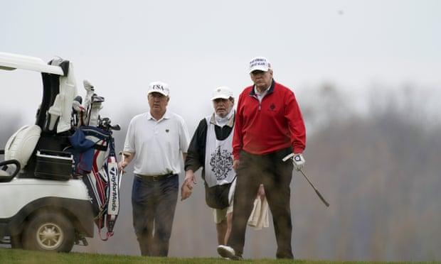 G20会议期间,多国领导人开会讨论新冠应对时,特朗普又去打高尔夫了 热点资讯 第3张