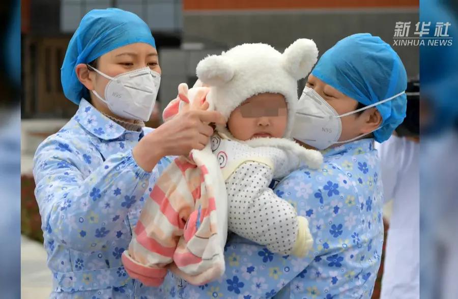 暖心!拥有7位护士妈妈的宝宝出院了