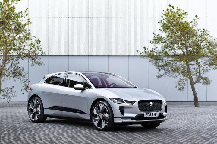 88-jaguar-i-pace-my2021-facelift-official-static-front.jpg