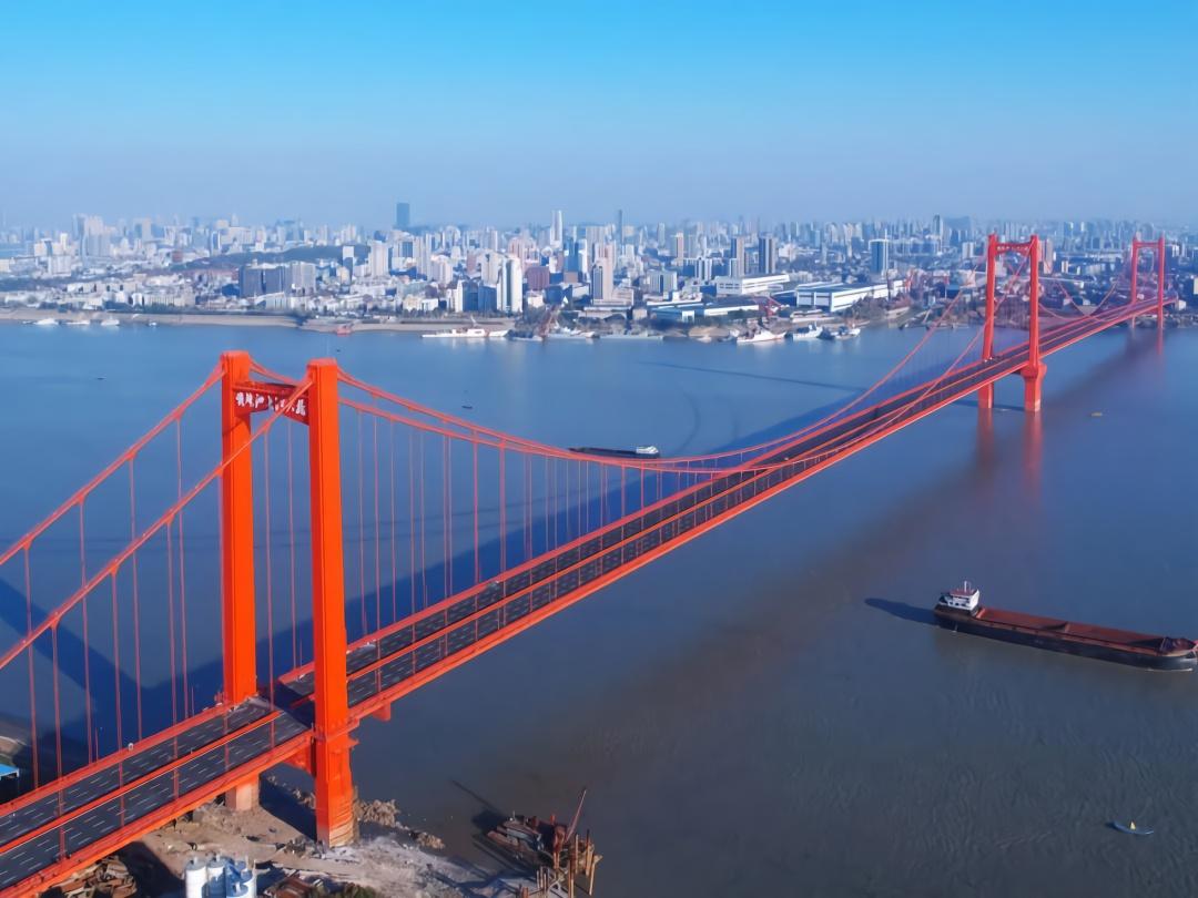 武汉鹦鹉洲长江大桥晃动如波浪?权威回应来了