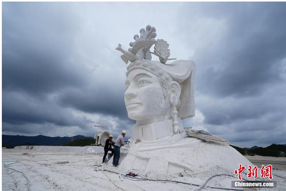 """【莱特币】_贵州毕节现巨型""""奢香夫人""""雕塑,相关公司称系广告模型"""