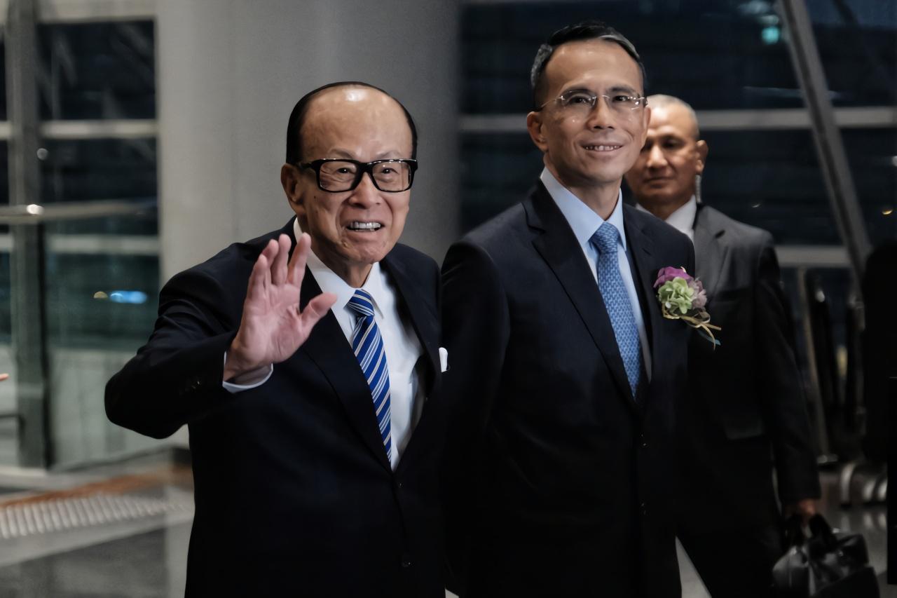 李嘉誠父子現身,這么談香港局勢