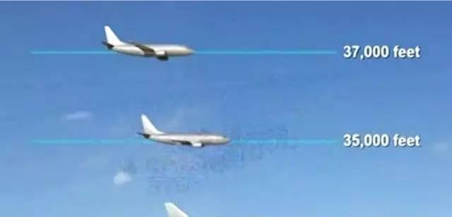 (三家飞机当时的位置,最下方为印航182号航班)